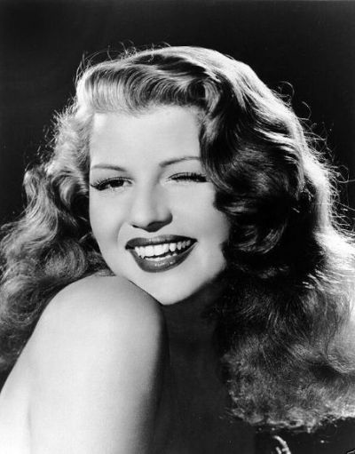 rita-hayworth-bucle-largi
